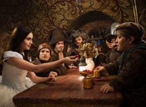 白雪姫と鏡の女王2